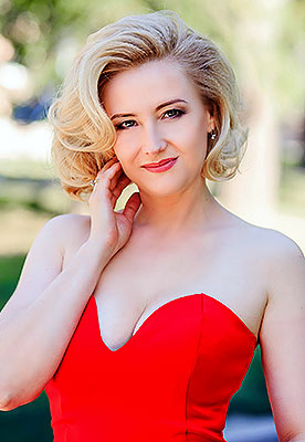 Weak woman Irina from Zaporozhye (Ukraine), 44 yo, hair color blonde