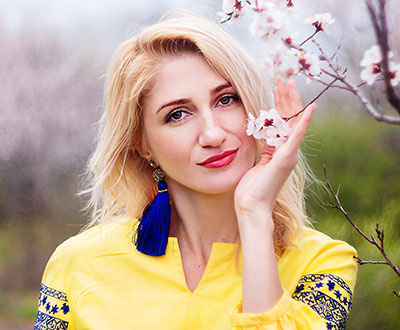 Adore bride Elena from Zaporozhye (Ukraine), 40 yo, hair color brown