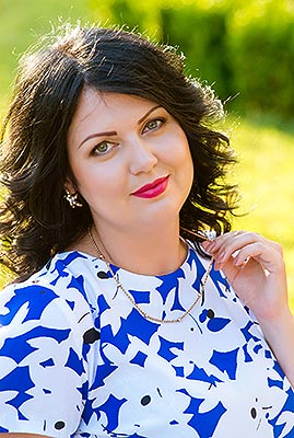 Active woman Marina from Zaporozhye (Ukraine), 34 yo, hair color brunette