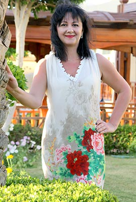 Diplomatic lady Elena from Zaporozhye (Ukraine), 45 yo, hair color brunette