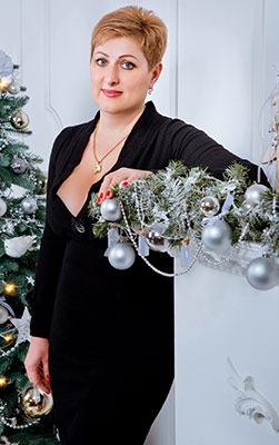 Mature lady Elena from Zaporozhye (Ukraine), 47 yo, hair color blonde
