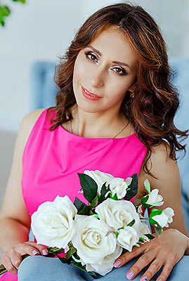 Active bride Anna from Zaporozhye (Ukraine), 36 yo, hair color brown