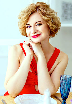 Aquarius woman Viktoriya from Zaporozhye (Ukraine), 46 yo, hair color blonde