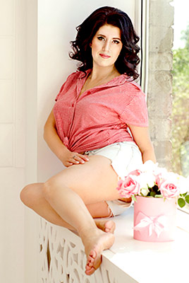 Communicative woman Natal'ya from Zaporozhye (Ukraine), 41 yo, hair color brunette