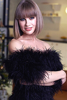 Real woman Nataliya from Kiev (Ukraine), 40 yo, hair color brown