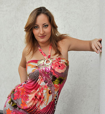 Complaisant bride Yuliya from Zaporozhye (Ukraine), 31 yo, hair color brown