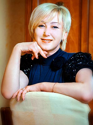Sociable bride Elena from Melitopol (Ukraine), 49 yo, hair color blonde