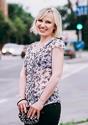 Agreeable woman Alena from Zaporozhye (Ukraine), 46 yo, hair color blonde