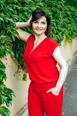 Energetic woman Natal'ya from Zaporozhye (Ukraine), 46 yo, hair color brunette