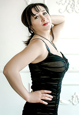 Kind lady Yana from Zaporozhye (Ukraine), 46 yo, hair color chestnut