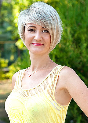 Intelligent lady Yuliya from Melitopol (Ukraine), 44 yo, hair color blonde
