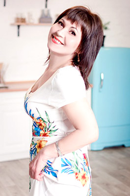 Sympathetic lady Elena from Zaporozhye (Ukraine), 50 yo, hair color brown-haired