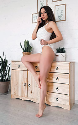 Realistic lady Oksana in bikini from Zaporozhye (Ukraine), 29 yo, hair color brunette